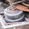 Vụ xe tải đè chết người: Băn khoăn chất lượng nắp hố ga